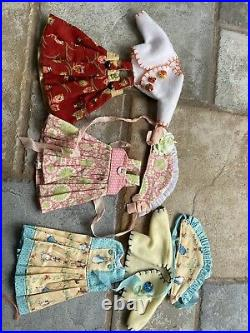 Effner Boneka 10 Tuesdays Child vinyl doll waif with lots of clean clothes