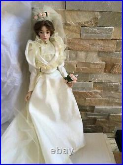 FRANKLIN MINT Gibson Girl 15 Vinyl DOLL LILLY in WEDDING Dress, Veil & Bouquet