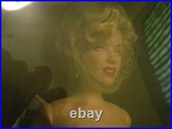Franklin Mint Awards Night vinyl portrait Marilyn Monroe Doll