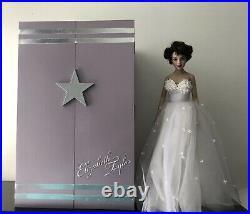 Franklin Mint ELIZABETH TAYLOR Vinyl Portrait Doll and Wardrobe Ensemble Trunk