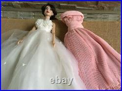 Franklin Mint Elizabeth Taylor 16vinyl DOLL in White ensemble + the Giant Dress