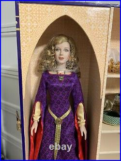 Franklin Mint GUINEVERE 16 Vinyl Fashion Doll w Trunk Wardrobe Accessories