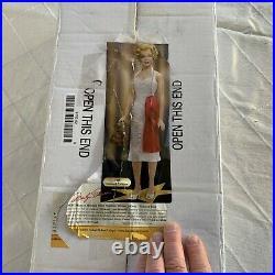 Franklin Mint Marilyn Monroe Walk of Fame vinyl Portrait doll New