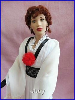 Franklin Mint TITANIC ROSE Vinyl Portrait Doll, Trunk, 11 Outfits, accessories