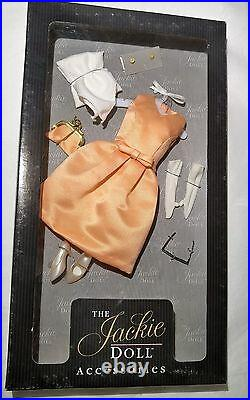 Franklin Mint The Jackie Kennedy Doll withTravel Trunk (6) Outfits COA NRFB LOT