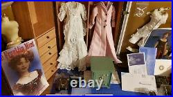Franklin Mint Titanic Rose Collection Trunk Safe &necklace Two Dolls & Outfits
