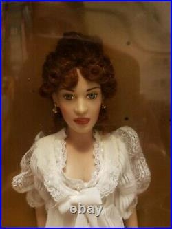 Franklin Mint Titanic Rose Portrait Vinyl Doll THE WHITE DRESSING GOWNEnsemble
