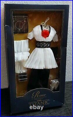 Franklin Mint Titanic Rose Vinyl Doll Black And White Gown Ensemble