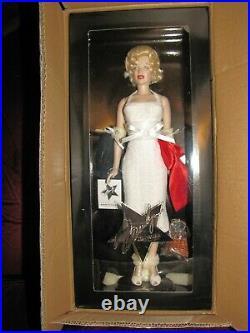 Franklin Mint Vinyl Marilyn Monroe Walk of Fame Doll