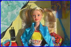 Generation Girl Mundo Joven Vicky Spanish Language Edition doll Barbie friend