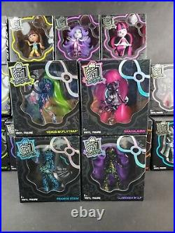 Lot of 18 Monster High 2014 Vinyl Figures Chase Variants First Wave Retired NEW