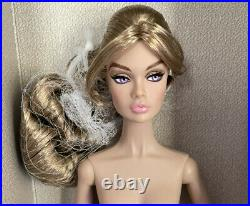 MINT NUDE Outback Walkabout Poppy Parker with Extra Hands, Stand, & COA